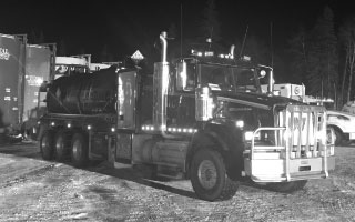2015-Western-Star-Custom-Vac-rig-up